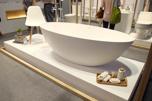 HCG's-bathtub-(F1760)
